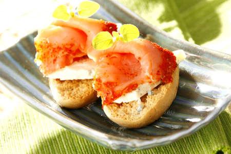 sop: Smoked salmon