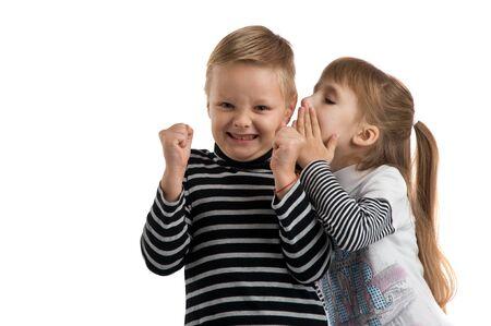 delito: conflictos entre niño y una niña. peleas y delito