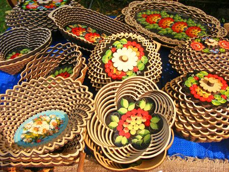 carved russian wooden tableware, handmade kitchen dishes and tableware Stockfoto - 132487740