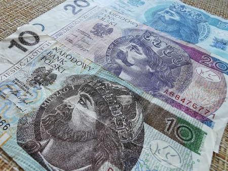 Polnischer Zloty. Offizielle Währung Polens in Denominationen. Zlotych Makroaufnahme. Bank von Polen, Narodowy Bank Polski.