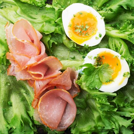 Keto diet concept. Ketogenic diet food. Balanced low-carb food background. Vegetables, lettuce, eggs, meat are the main components. Basic set 版權商用圖片