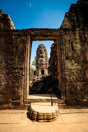 angkor thom: Architecture of old buddhist Angkor Archeological park temple - Bayon in Angkor Thom. Monument of Cambodia - Siem Reap