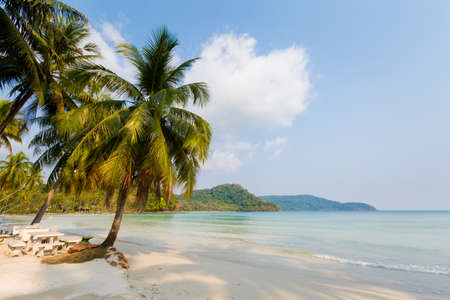 Summer landscape on tropical koh Kood island  in Thailand. Landscape with sea taken on Ao Yak beach. Banque d'images