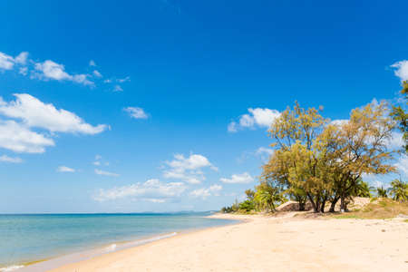 Summer seascape on tropical Phu Quoc island, Ba Keo area in Vietnam. Landscape taken on Duong Dong - Long beach area with blue sky Banco de Imagens