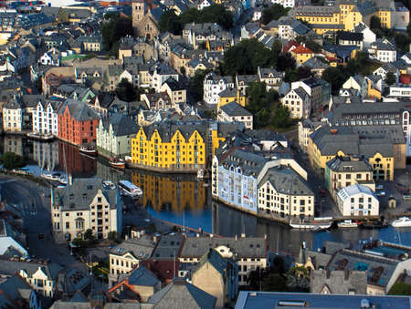 Alesund view from the hill yellow houses Standard-Bild