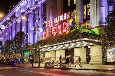 크리스마스와 새 2015 년도 장식 2014년 11월 13일 옥스포드 스트리트 (Oxford Street), 런던,