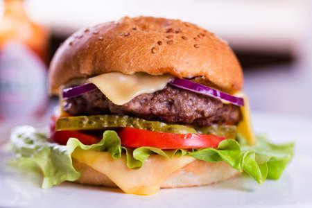 burguer: Sabrosa hamburguesa casera fresca