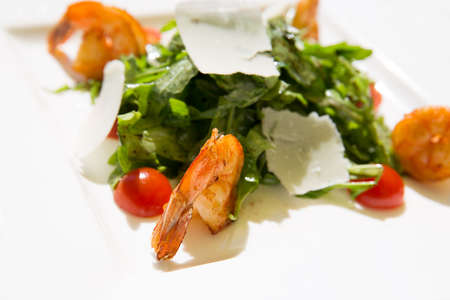 fres: Fres tasty summer Shrimp salad on plate Stock Photo