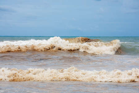더러운 대양 해안 스톡 콘텐츠 - 94117997