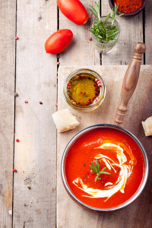 Tomato, red pepper soup, sauce with olive oil, rosemary and smoked paprika Imagens