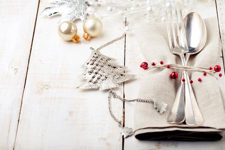 servilletas: Navidad y Fin de año lugar de la tabla de ajuste con decoraciones de Navidad. Espacio de la copia.