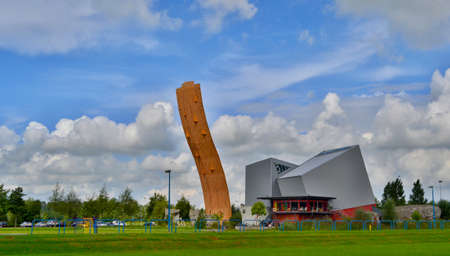 GRONINGEN, HOLLAND - SEPTEMBER 8,2012: Excalibur climbing wall. The tower named after the mythical sword of King Arthur is considered the tallest freestanding climbing wall in the world. 新聞圖片