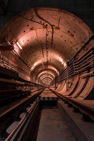 건설중인 지하철 터널 스톡 콘텐츠
