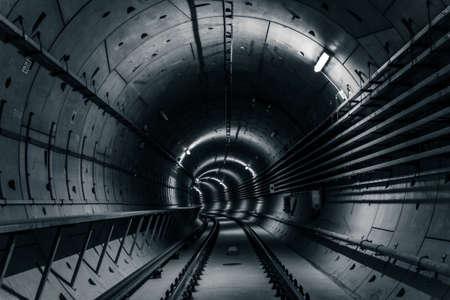 건설 깊은 지하철 터널