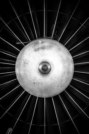 항공기의 제트 엔진의 근접 촬영