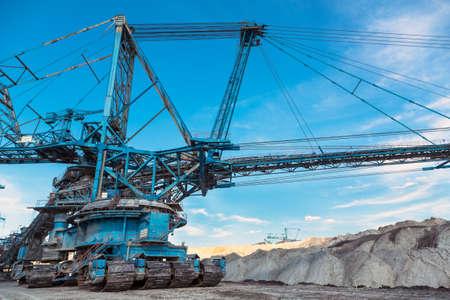 maquinaria pesada: Maquinaria para la miner�a en la mina