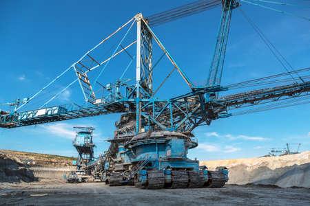 coal mining: Mining machinery in the mine