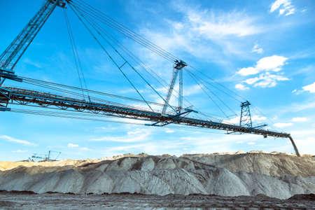 carbone: Macchine Mining in primo piano mina