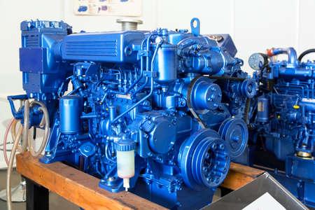 De moderne dieselmotor gebruikt op maritieme industrie close-up Stockfoto