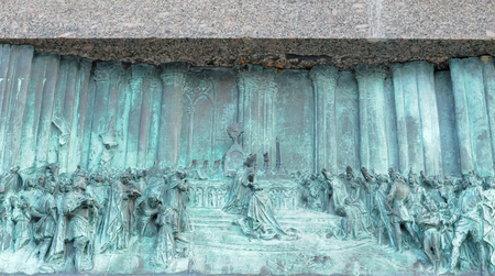 antique bas-relief picturing the coronation of Charles VII with Joan of Arc front left, in orleans, france, europe Banque d'images - 95590841