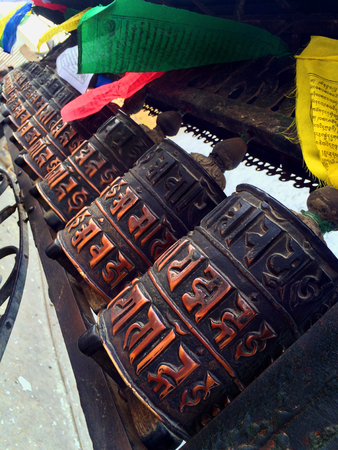 Stupas with a sacred text in a Buddhist monastery in Nepal. Temple on top of a hill in Kathmandu. 版權商用圖片