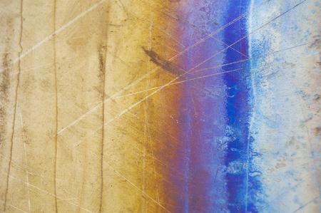 Metallhintergrund, Beschaffenheit des Titans, Blatt der Metalloberfläche. Irisieren. Heat Tönung, Vielzahl von Farben. Standard-Bild - 89723107