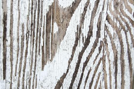 Gebrochene Farbe auf einer Holzwand. weiße Farbe Standard-Bild - 91376410