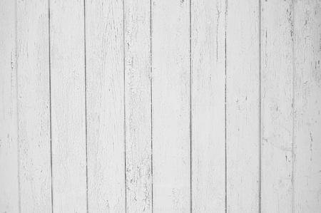 White old wooden fence. Wood palisade background. planks texture Standard-Bild