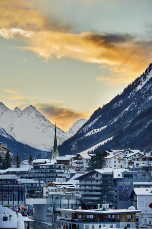 Ischgl, Austria - December 24, 2017: Winter resort Standard-Bild - 114642736