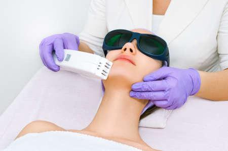 Facial treatment Banque d'images