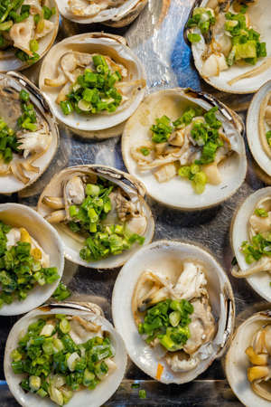 Close-up of seafood at the night market in Phu Quoc, Vietnam Banque d'images - 143978768