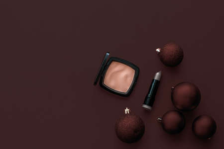 Cosmetic branding, fashion blog cover and girly glamour concept - Make-up and cosmetics product set for beauty brand Christmas sale promotion, luxury chocolate flatlay background as holiday design 写真素材 - 133606764