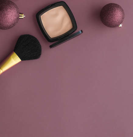 Cosmetic branding, fashion blog cover and girly glamour concept - Make-up and cosmetics product set for beauty brand Christmas sale promotion, luxury purple flatlay background as holiday design 写真素材 - 133607086