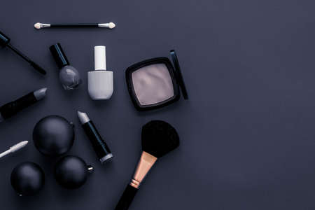 Cosmetic branding, fashion blog cover and girly glamour concept - Make-up and cosmetics product set for beauty brand Christmas sale promotion, luxury black flatlay background as holiday design 写真素材 - 133607095