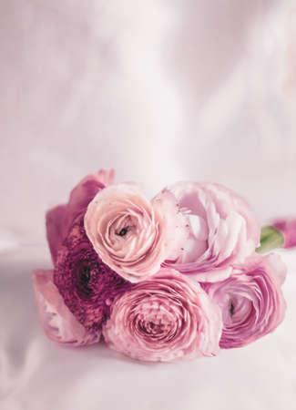 浪漫,品牌和新娘概念-复古花束盛开的玫瑰背景,优雅的鲜花礼品和浪漫的鲜花礼物的豪华婚礼品牌,假日花园和自然设计