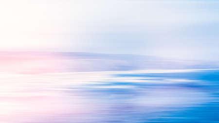 Impression d'art côtier, destination de vacances et concept de voyage de luxe - Fond abstrait de la mer, vue longue exposition de la côte océanique de rêve en été Banque d'images