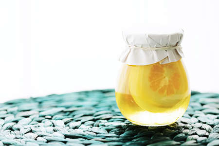 Canned sugared lemon slices in sweet syrup, food and dessert Standard-Bild
