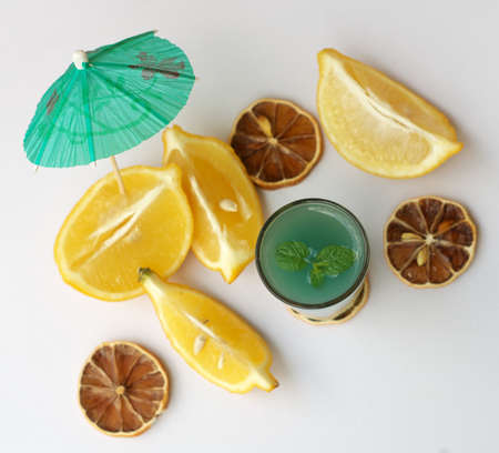 Green drink with lemons and mint