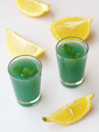 Green drinks with mint and lemon
