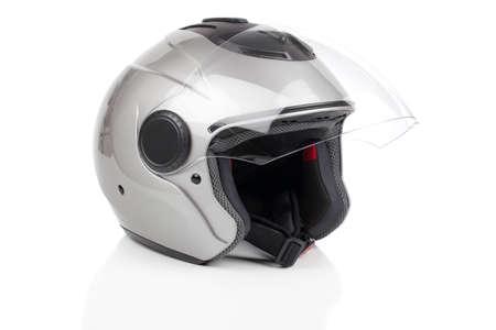 casco de moto: gris, casco de la motocicleta brillante aislado