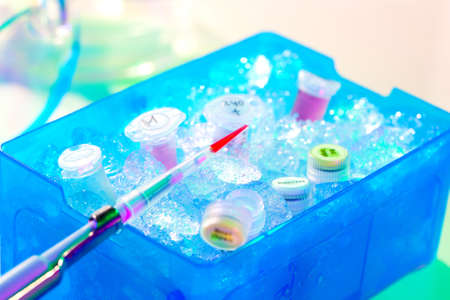 icebox: Automatic pipette over reaction tube in a box full of ice