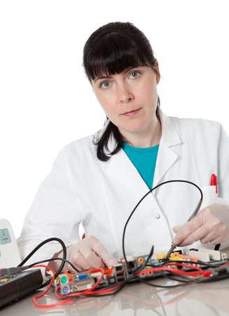 solucion de problemas: Apoyo Mujer ingeniero informático - defecto de reparación de mujer