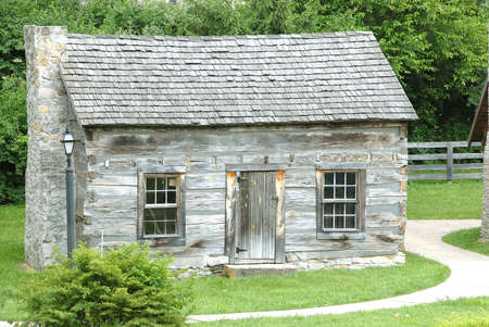 Historic Log Cabin - Historic log cabin in Kentucky, USA that was built circa 1770. Stock Photo - 483303