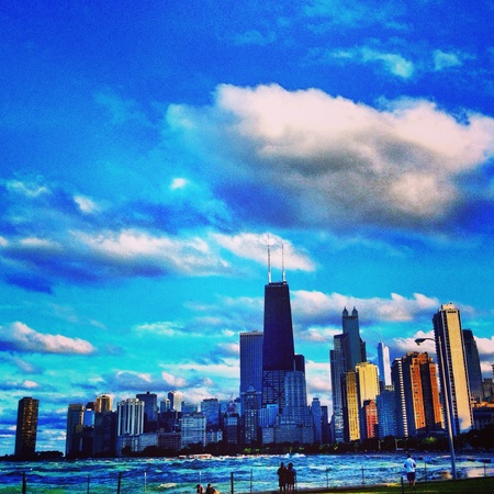 lake shore drive: This is a photo taken on lake shore drive of the Chicago skyline and Lake Michigan