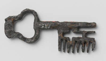 antique keyhole: antique key