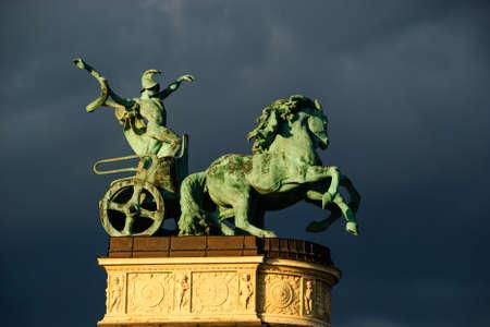 horse statue budapest Imagens