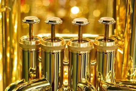 黄金のテューバ バルブ詳細 写真素材