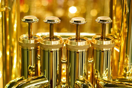 Gouden tuba ventiel detail Stockfoto - 20110197