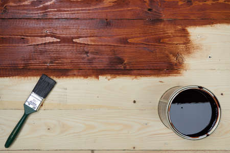 Do it yourself. Staining wooden table.