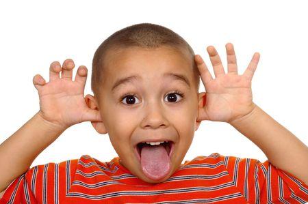 sacar la lengua: Boy hacer una cara tonto